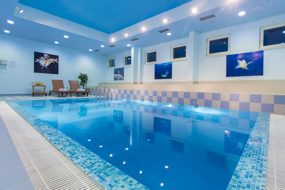 INDOOR SWIMMING - POOL - Hotel Spongiola